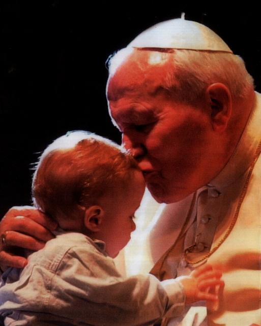 bebe y el Papa