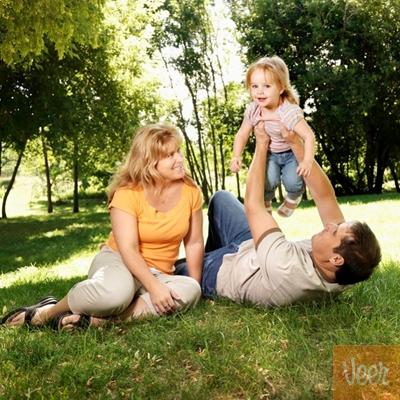 padres y su bebe