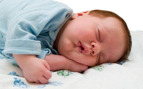 1121 Beneficios de una rutina para la hora de dormir del bebé