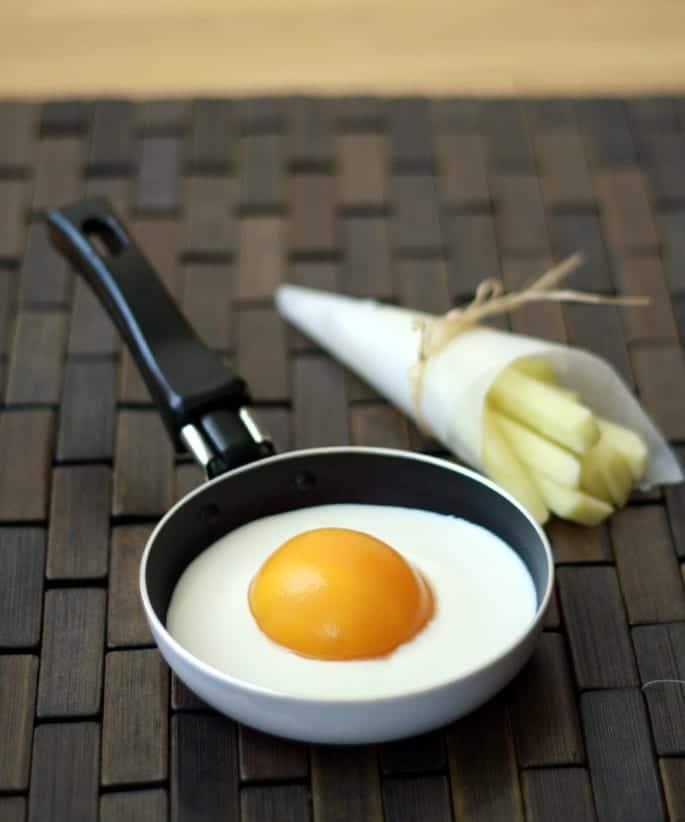 Falso huevo frito con patatas
