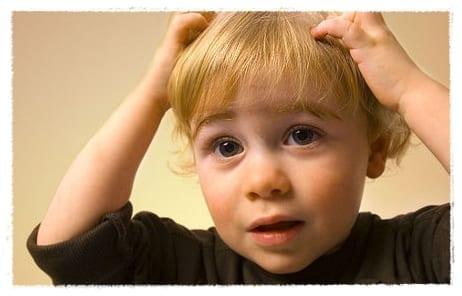 Eliminar los piojos en los niños