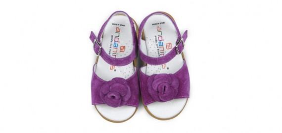Calzado Andanines con detalles fluor