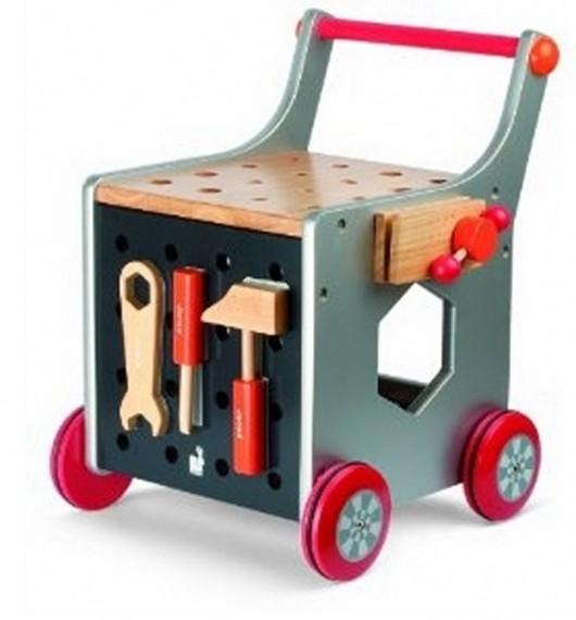 El carrito de herramientas de madera de Janod