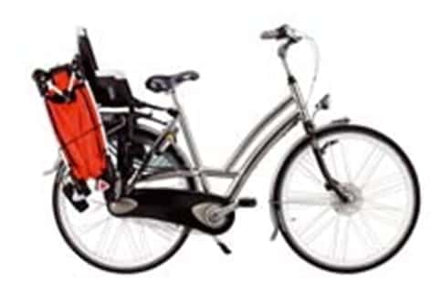Pasear al bebé en bicicleta