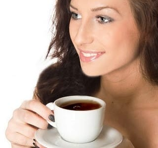 No se fíe de la cafeína o azúcar