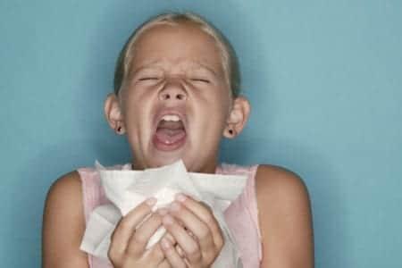Alergias: a los niños el riesgo se incrementa de padre a hijo varón y de madre a hija
