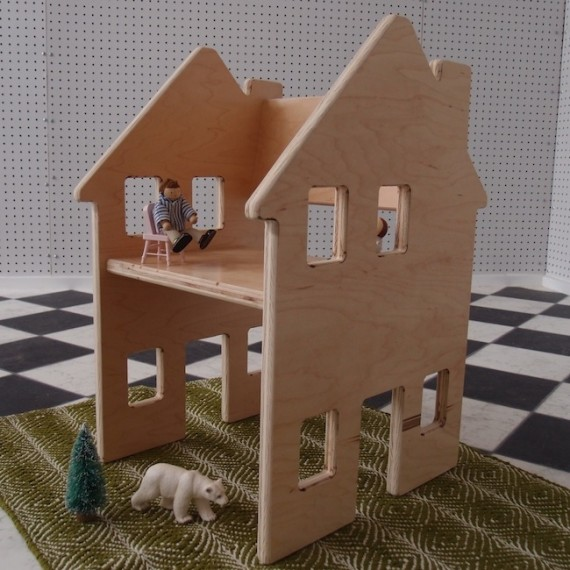Silla + casa de muñecas