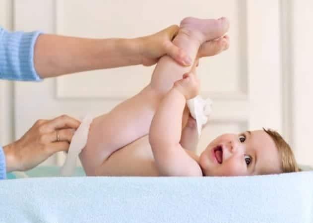 Prepara toallitas húmedas para tu bebé de forma casera