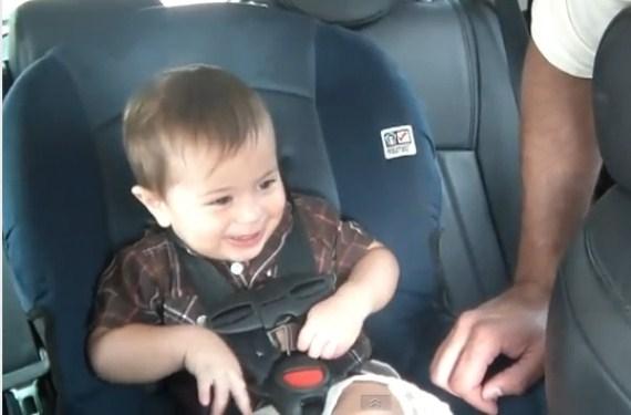Silla de coche de asalvo para proteger al beb for Sillas seguridad coche
