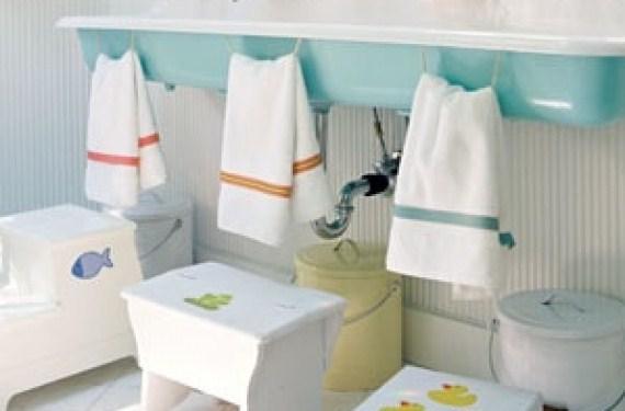Taburete y toallero