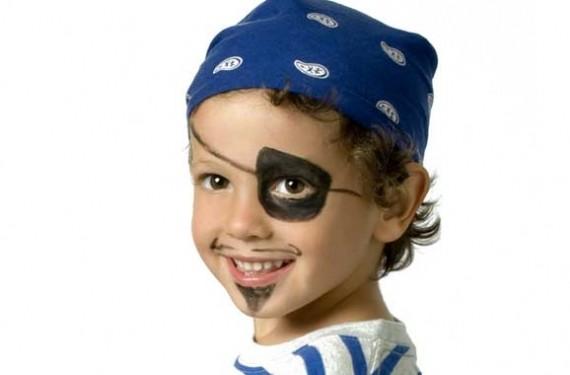 Maquillaje y complementos pirata