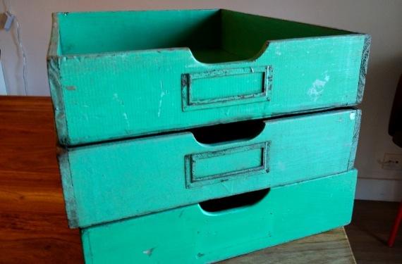 Cajón estantería 2