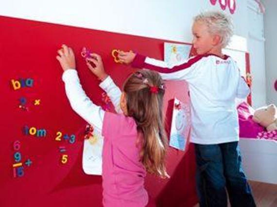 Pintura imán para las paredes de los niños