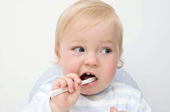 Lavado de dientes de los bebés