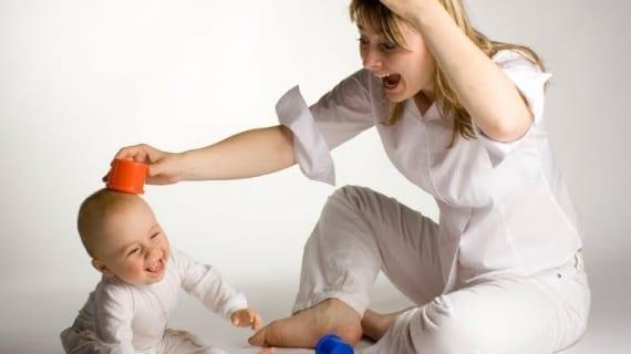 madre-jugando-bebe_570x320_scaled_cropp