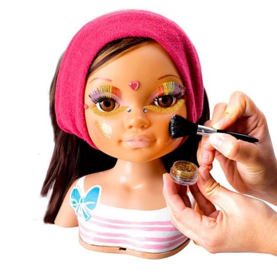 Nancy maquillaje