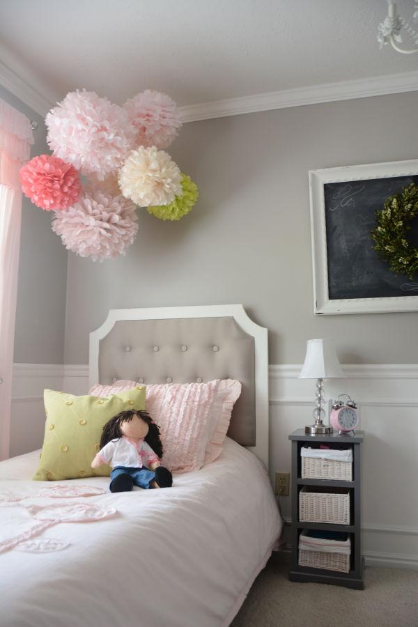 Pompones de papel de seda para decorar habitaciones infantiles