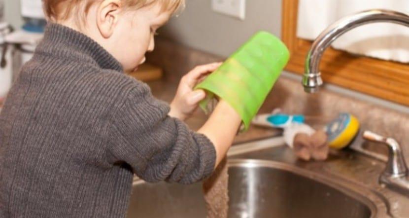 Niños y tareas del hogar