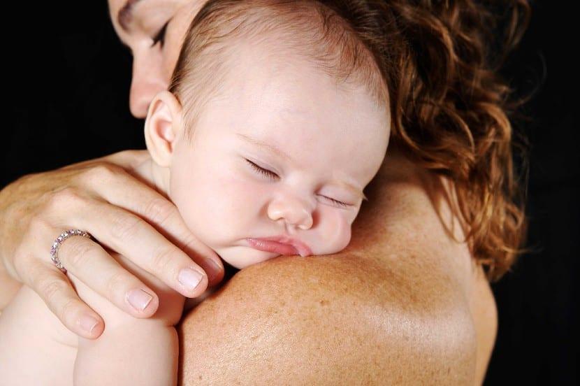Crianza en brazos