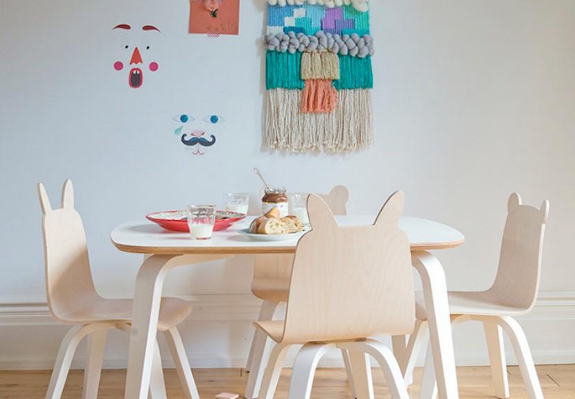 Mesas y sillas oeuf play para ni os for Sillas para 2 ninos diferente edad