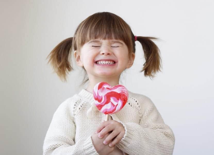 nena feliz