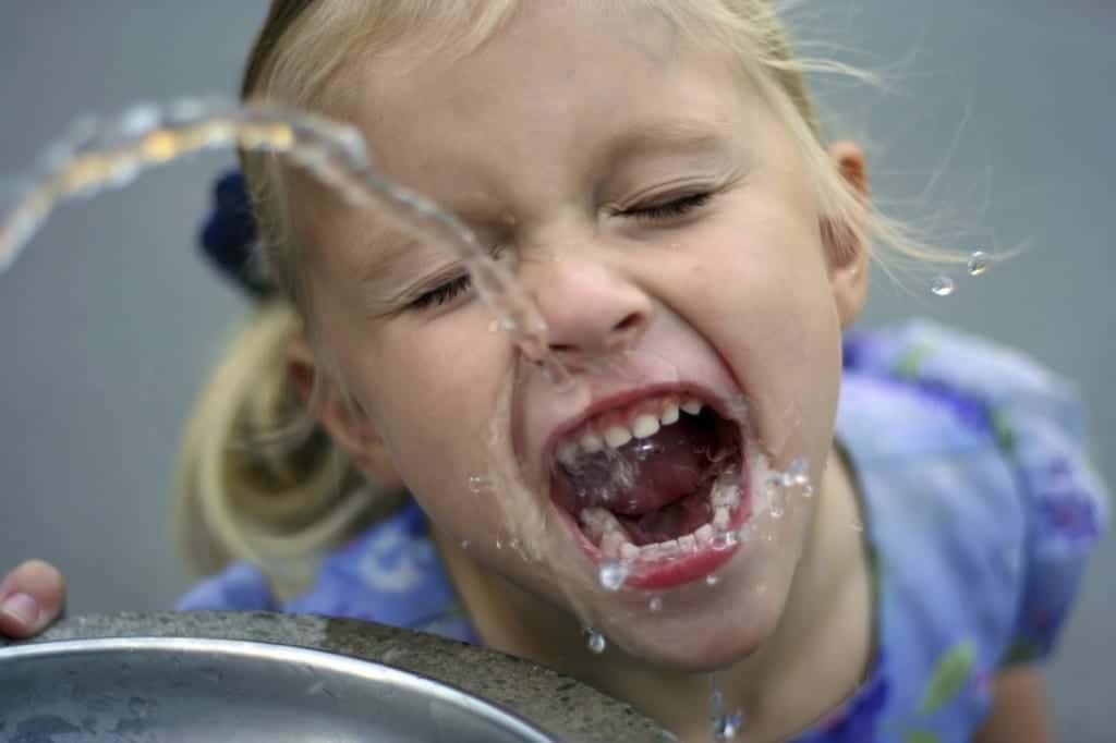 agua estreñimiento