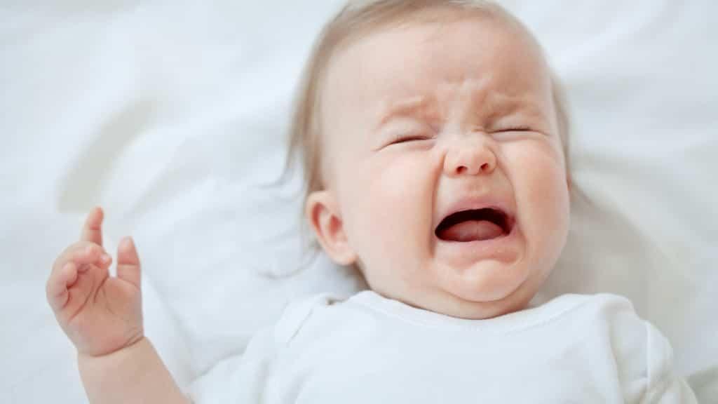 bebe llorando pena