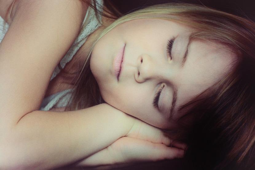 dormir con la luz encendida