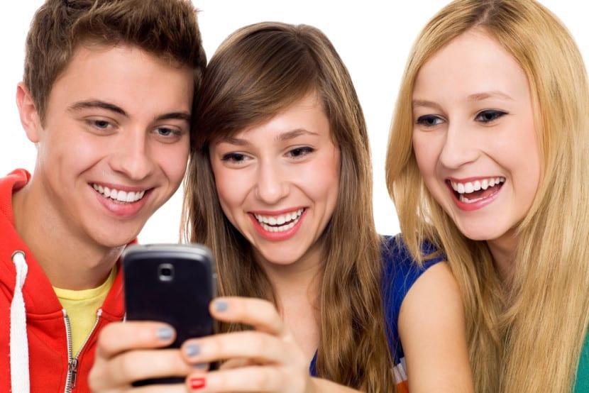 adolescentes movil