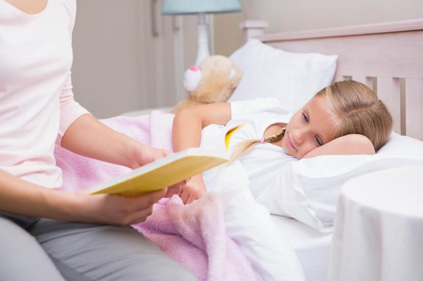 La lectura es un hábito muy saludable antes de acostarse a cualquier edad