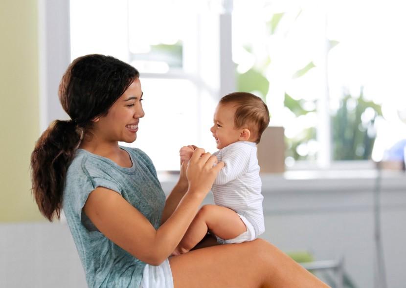 deporte en casa con bebe