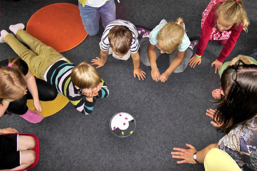 Los niños con fuertes habilidades sociales en preescolar tienen más probabilidades de prosperar como adultos, según un estudio