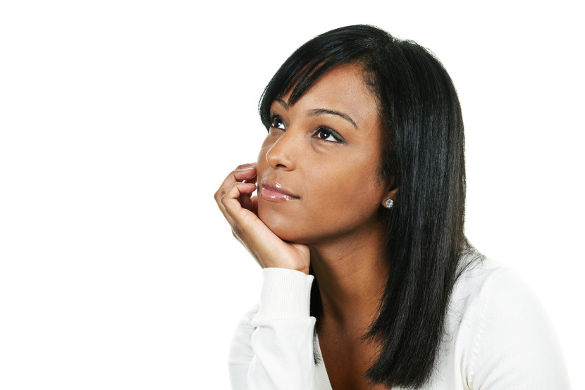 mujer pensando en ser madre
