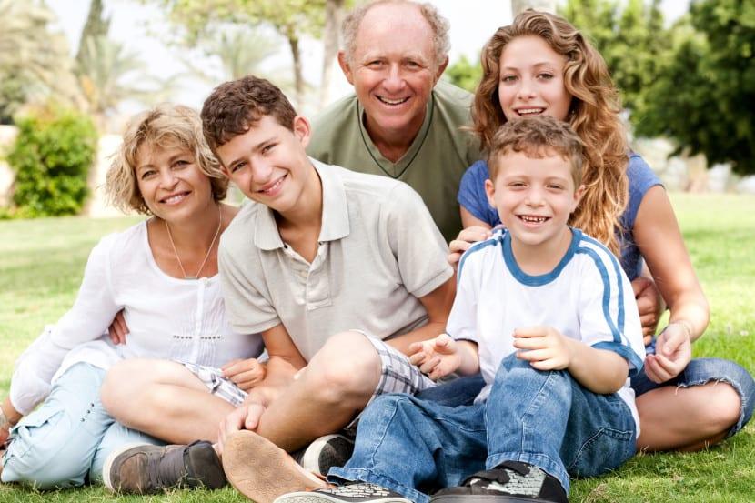 familia feliz adolescente