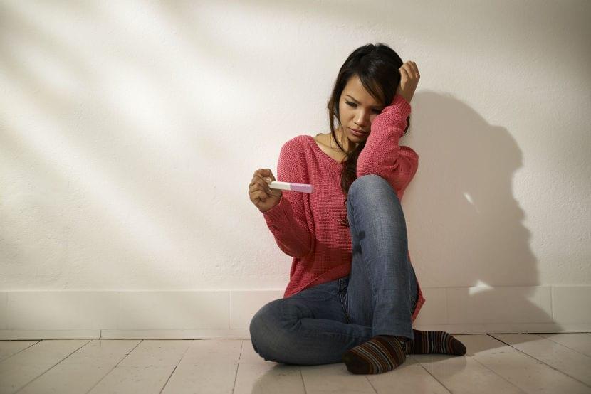 ¿Puede influir el estrés en la infancia en la fertilidad femenina?