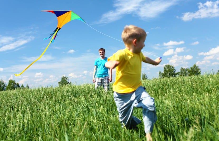 beneficios del sol en los niños