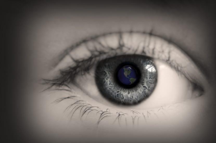 ojo de niño tímido