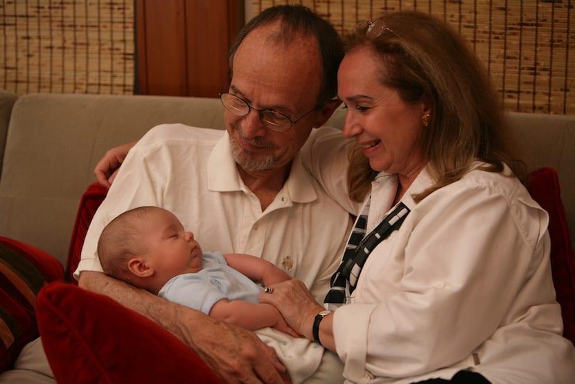 Abuelos permiso de maternidad