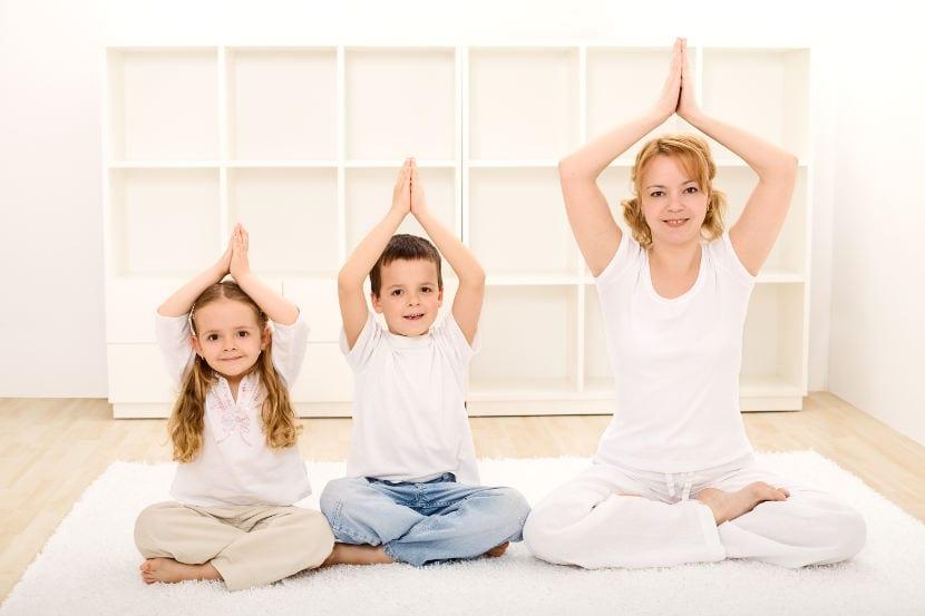 El yoga puede ayudar a reducir el estrés infantil