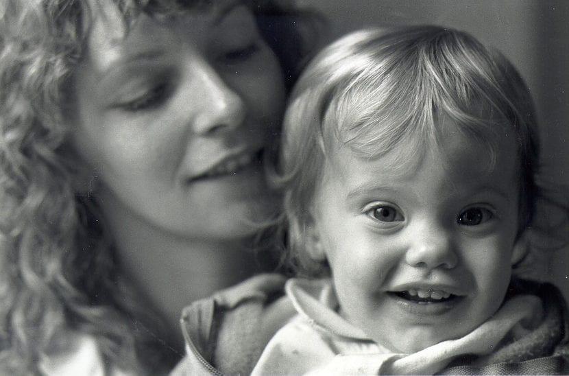 Poner a tu hijo por delante de ti misma te hace más feliz