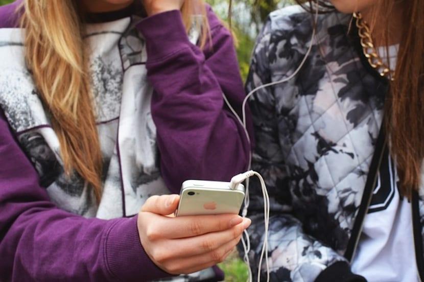Uso de móvil niños de 10 a 15 años, portada.