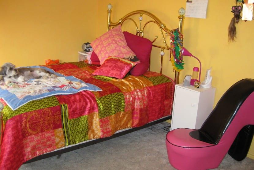 adolescente dormitorio