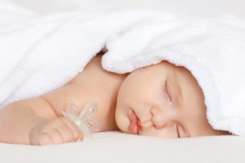 enseñar a dormir al bebé