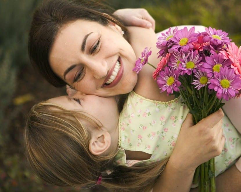 madre feliz
