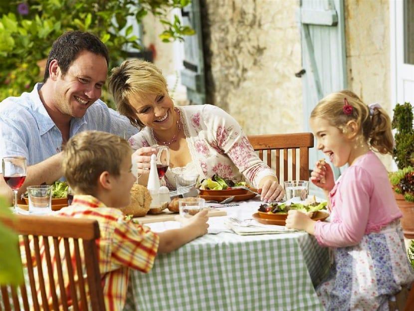 comer con nenes
