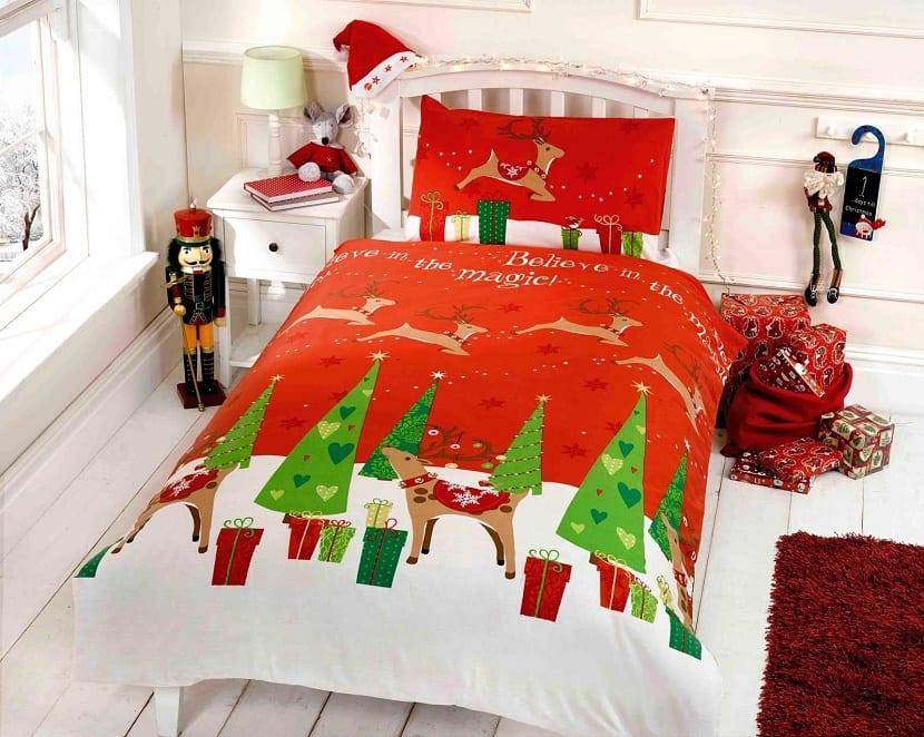 Dormitorio infantil decorado para Navidad
