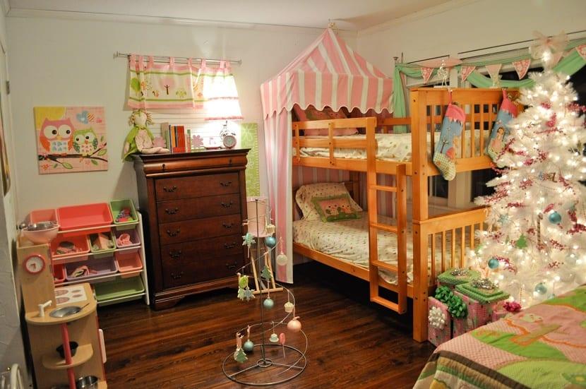 Ideas para decorar dormitorios infantiles por navidad - Habitaciones con luces ...
