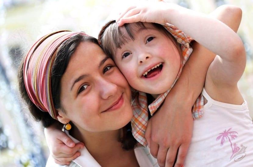 madre con niño síndrome de down