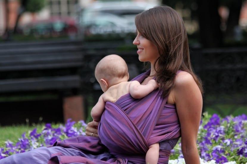 madre e hijo disfrutando la educación paulo freire
