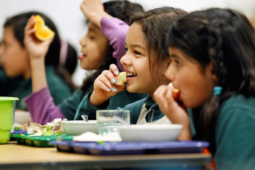 Llegan los exámenes: no hace falta que los niños coman más, sino mejor